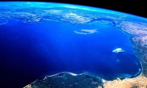 Resultado de imagen de Biólogo advierte que hay que cuidar océanos porque producen mitad del oxígeno